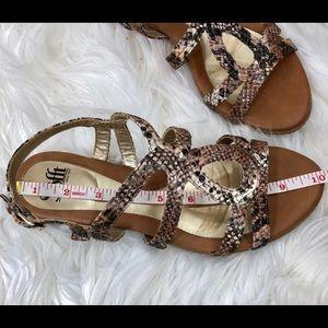 Sofft Shoes - Sofft Sz8W Snakeskin Print Metallic strappy Sandal